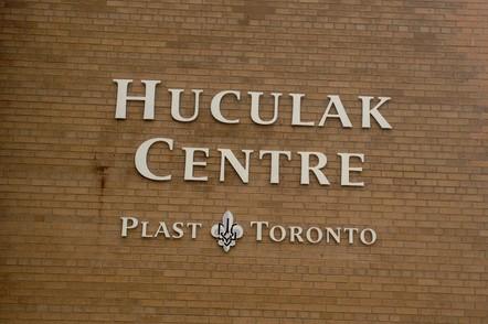 Huculak_Centre